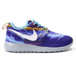 Pantofi sport  NIKE  pentru femei ROSHERUN PRINT GS 677782_401