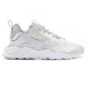 Pantofi sport  NIKE  pentru barbati AIR HUARACHE 818061_100